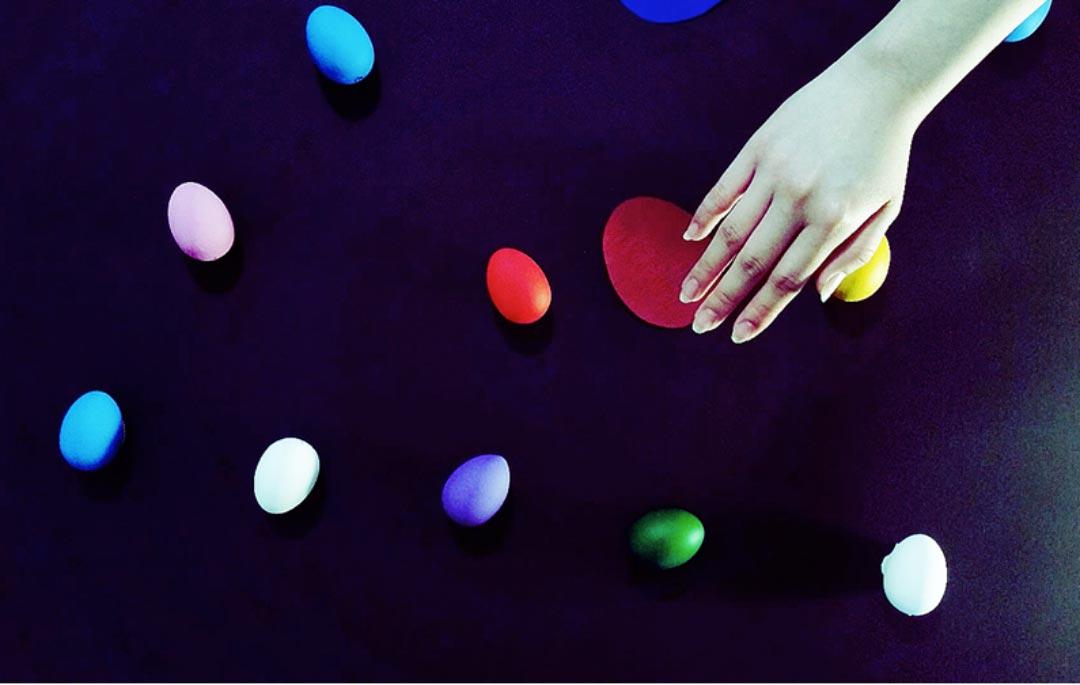 """Nein, dies ist nicht das Originalbild """"Eggs"""" von Andy Warhol, wie es im Museum Wiesbaden hängt. Aber Mai Lara Pham hat sich sehr nah ans Werk herangearbeitet."""