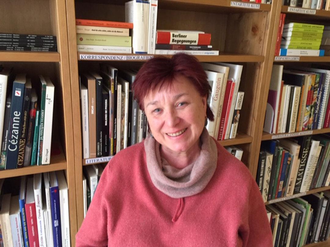Das Jawlensky-Archiv ist ihre Welt: Die Enkelin des Malers, Angelica Jawlensky Bianconi, pflegt das umfangreiche Erbe. (Foto: privat)